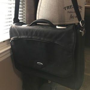 Tumi T3 Flip Flap laptop bag GUC